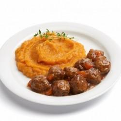 Boulettes de boeuf et purée de carottes-pomme de terre